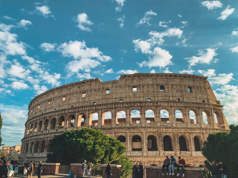 Vista del Colosseo, da Largo Gaetano Agnesi