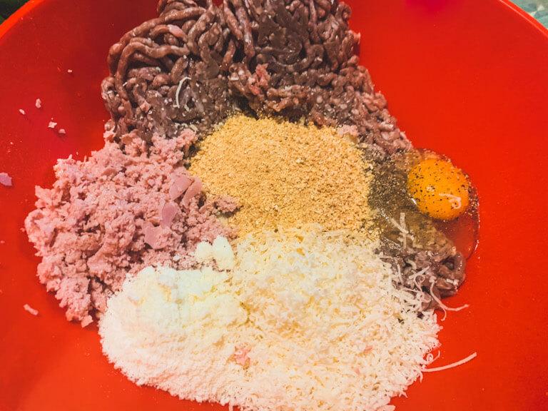 Ingredienti per il ripieno delle verdure ripiene senza glutine