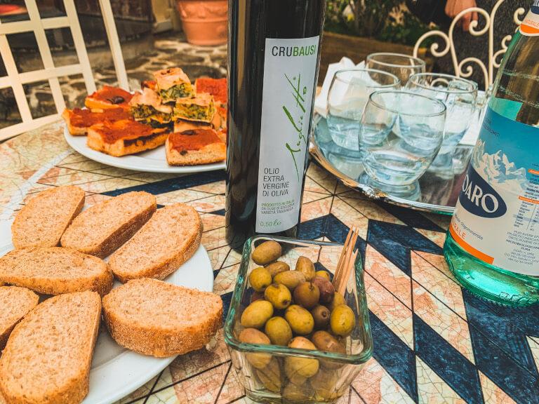 L'olio d'oliva e le olive in salamoia dell'Azienda Agricola Saglietto