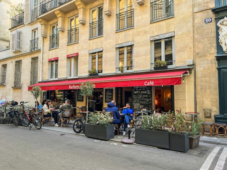 Scandalous Tour a Parigi con Localers: primo negozio di preservativi di Parigi ora è un bistrot