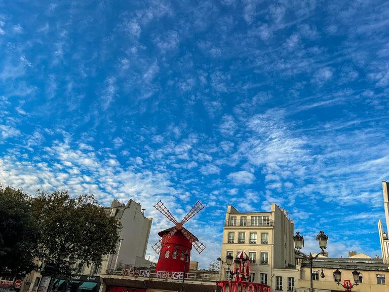 Scandalous Tour a Parigi con Localers: ultima fermata, il Moulin Rouge